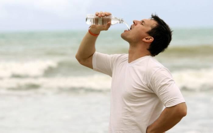 Το πολύ νερό σκοτώνει – Δείτε πόσο πρέπει να πίνετε!!!