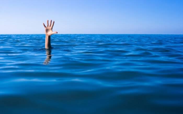 Κράμπα στη θάλασσα: Οι κινήσεις που θα σε σώσουν