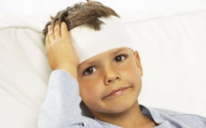 Παιδί και χτύπημα στο κεφάλι: Ποιες είναι οι νέες οδηγίες αντιμετώπισης