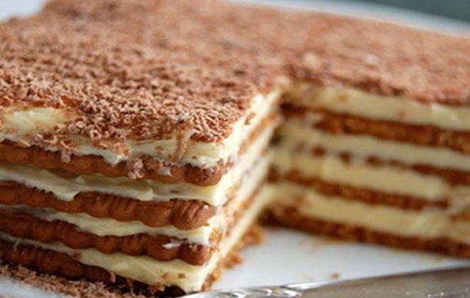 Εύκολη και γρήγορη τούρτα με μπισκότα σοκολάτας!