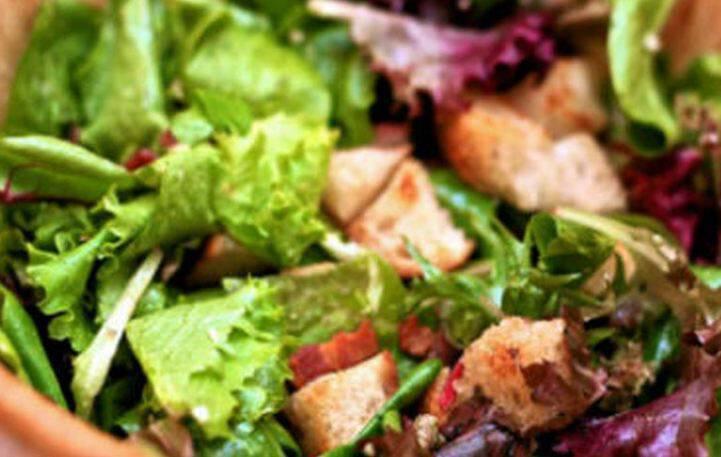 Σαλάτα με κόκκινη λόλα και σως μουστάρδας