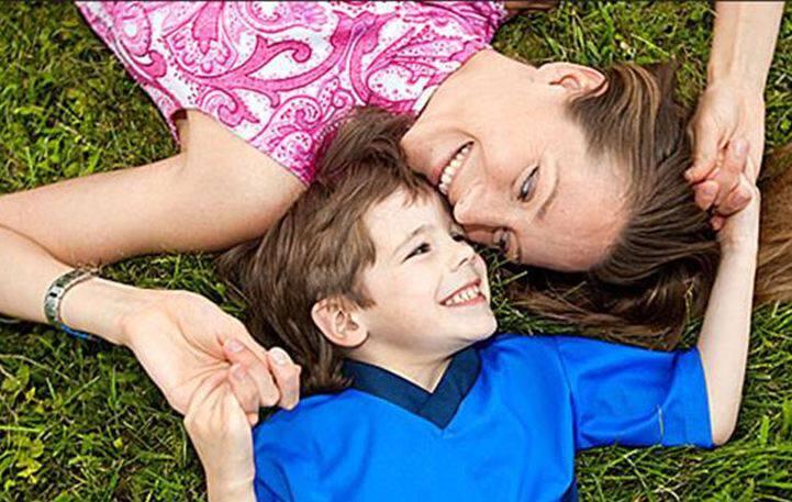 Οι μαμάδες χωρίς μπαμπάδες είναι πιο δυνατές