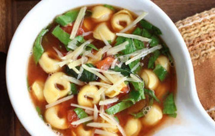 Απολαυστική σούπα με τορτελίνια