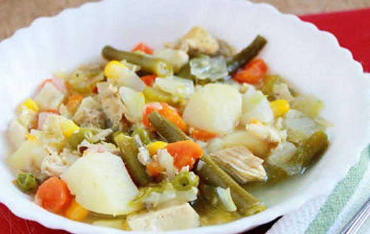 Λαχταριστή σούπα με κοτόπουλο και λαχανικά