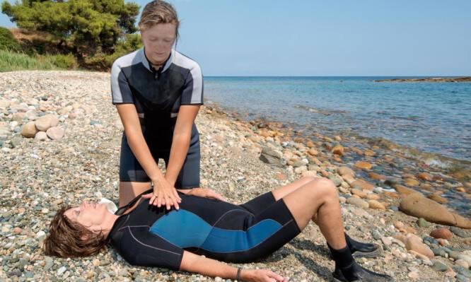 Πνιγμός στην θάλασσα: Τα σωστά βήματα για να βοηθήσουμε όποιον κινδυνεύει