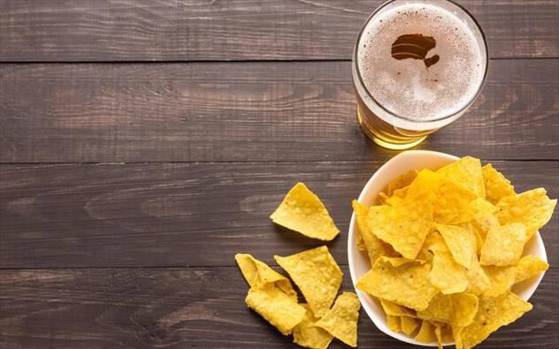 Διατροφή και νυχτερινή έξοδος: τι να καταναλώνετε πριν, κατά τη διάρκεια και μετά
