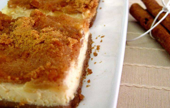 Εύκολο γλυκό 2 σε 1: Μηλόπιτα cheesecake
