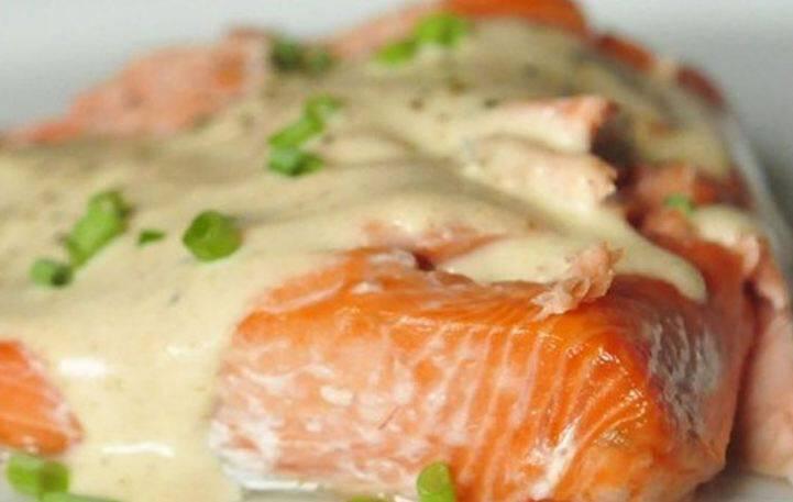 Τρυφερά φιλέτα ψαριού με λευκή σάλτσα