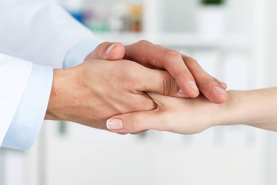 Πώς να αντεπεξέλθετε σε μια διάγνωση καρκίνου