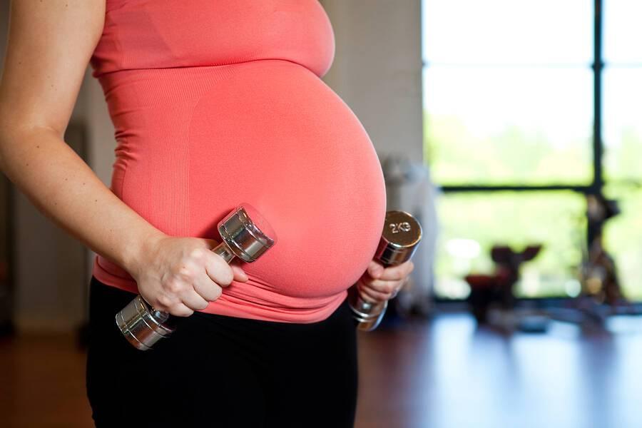 Εγκυμοσύνη: Γιατί δεν κάνει καλό η ακινησία;