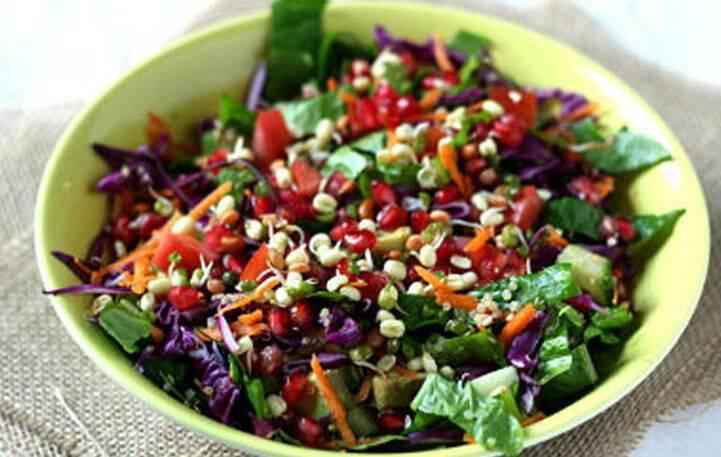 Δροσιστική σαλάτα με ρόδι