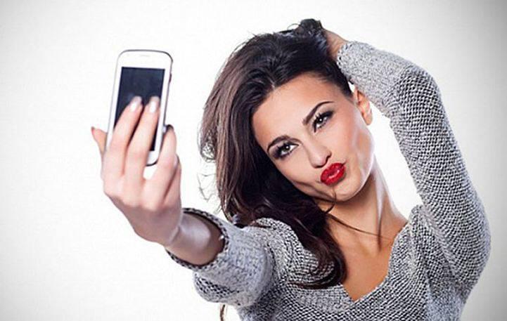 Δεν θα πιστεύετε που ωφελεί το να βγάζεις selfie...