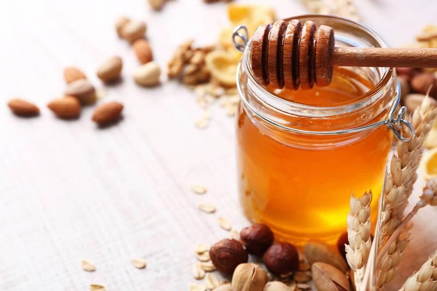 Μέλι: Τέσσερις χρήσεις του για πρώτες βοήθειες στο σπίτι