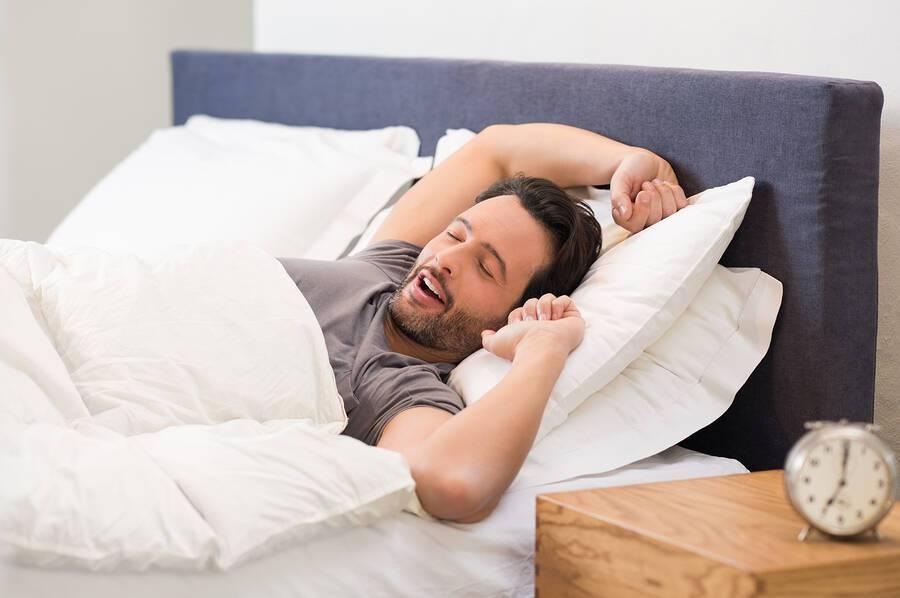 Πολλές ώρες ύπνου: Οι 6 κίνδυνοι για την υγεία