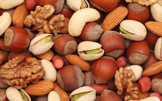 Πόσοι είναι οι ελάχιστοι ξηροί καρποί που πρέπει να τρώτε κάθε μέρα;