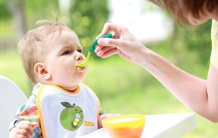 Γρήγορη και πεντανόστιμη φρουτόκρεμα με γιαούρτι για το μωρό σας
