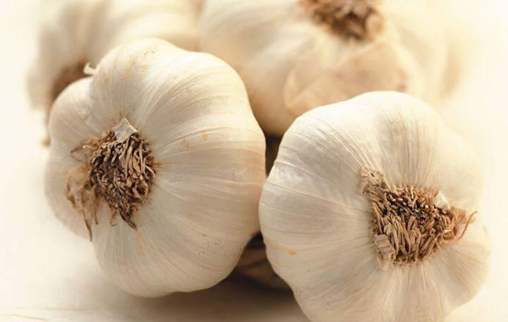 Τέσσερις χρήσεις του σκόρδου που δεν γνωρίζατε εώς σήμερα