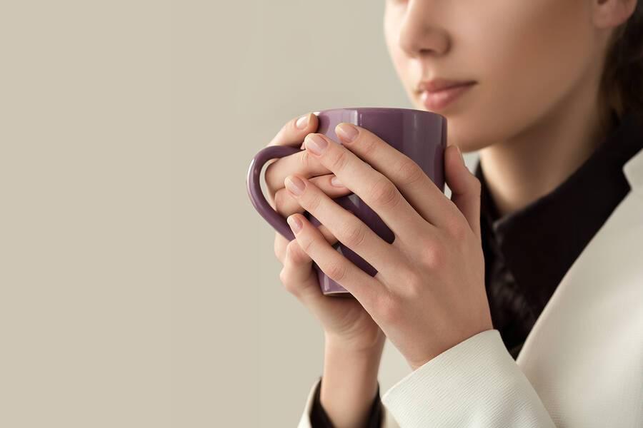Καφές & άνοια: Ποια ποσότητα θεωρείται προστατευτική για τις γυναίκες