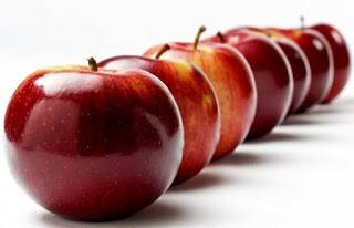 Για την κακοσμία των ποδιών, βάλτε μηλόξυδο!