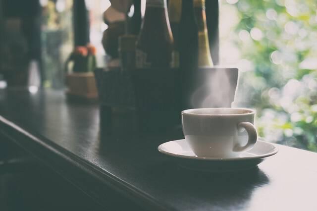 Καφές: Σε ποια ποσότητα προστατεύει από την άνοια
