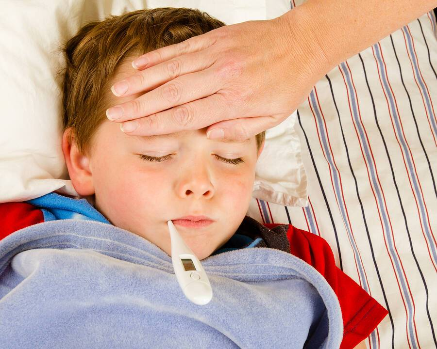 Παιδική λαρυγγίτιδα: Πού οφείλεται & πώς θα την αντιμετωπίσετε
