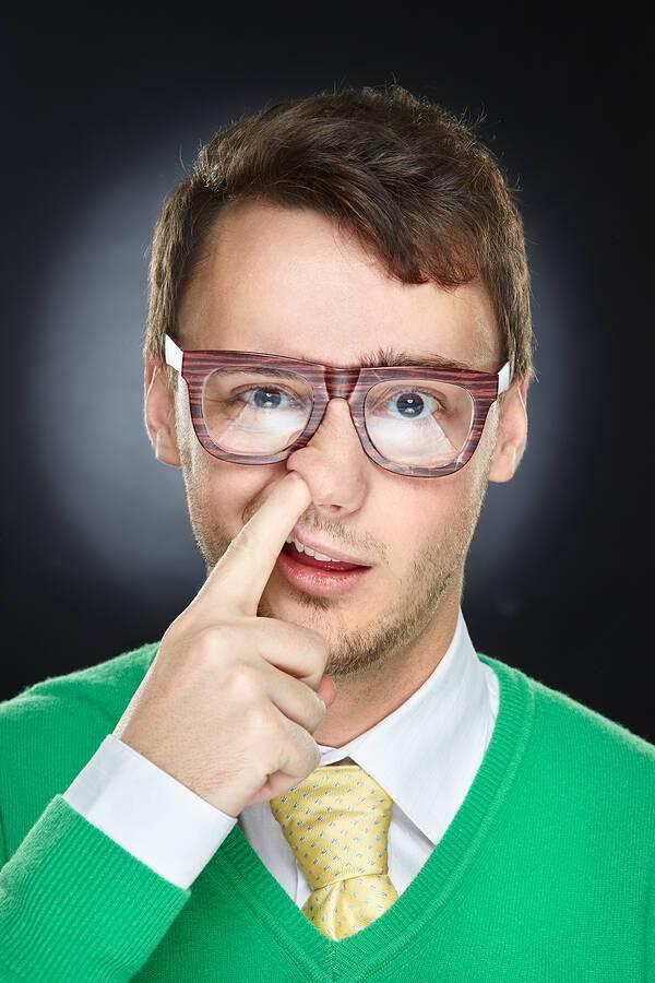 Γιατί δεν πρέπει να «σκαλίζετε» τη μύτη σας – Από τι κινδυνεύετε
