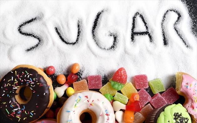 Πώς να «κόψετε» τη ζάχαρη με τις συμβουλές της ειδικού