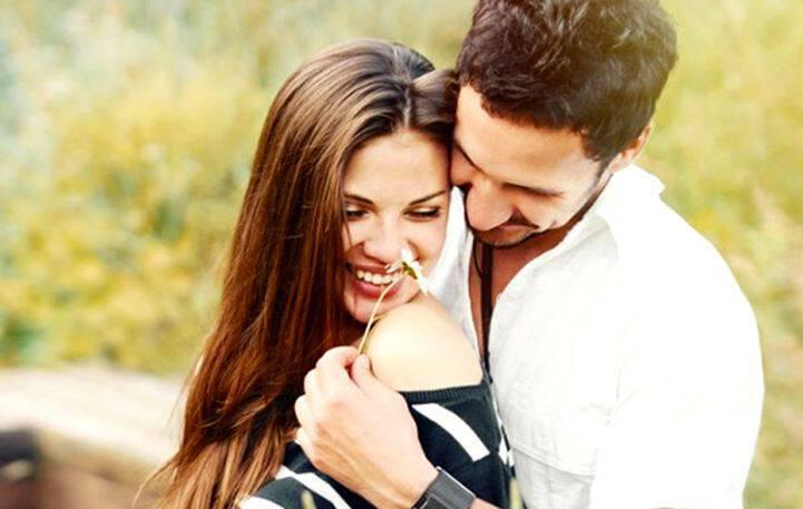 Τα 6 σημάδια ότι τον ερωτεύεσαι επικίνδυνα