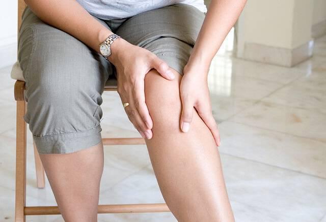 Τι φανερώνει ο πόνος στο γόνατο όταν ανεβαίνετε σκάλες