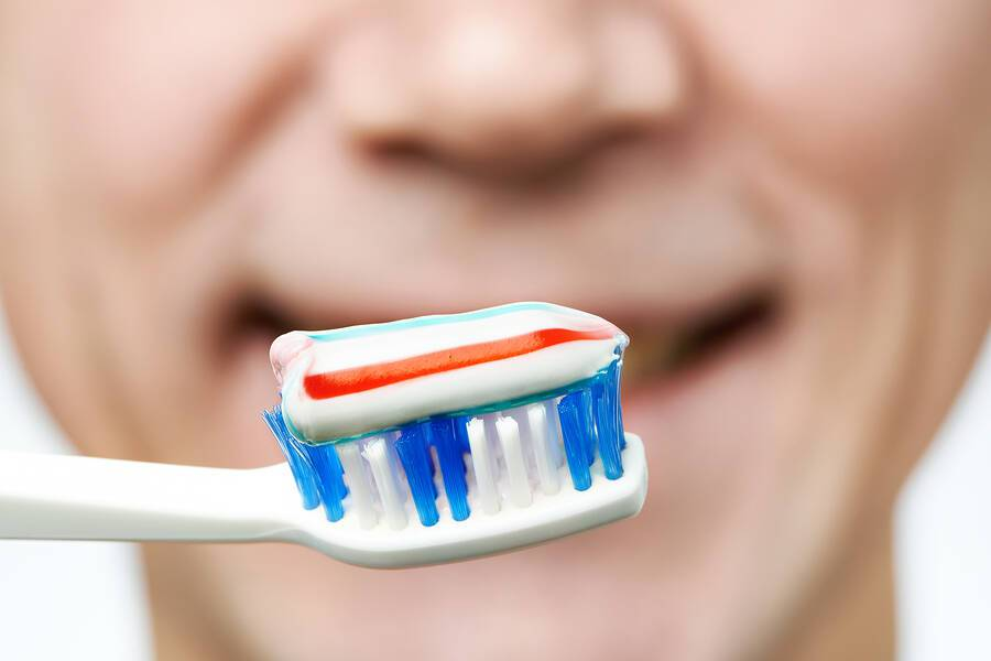 Αναψυκτικά και διάβρωση δοντιών: Πότε πρέπει να βουρτσίζετε τα δόντια