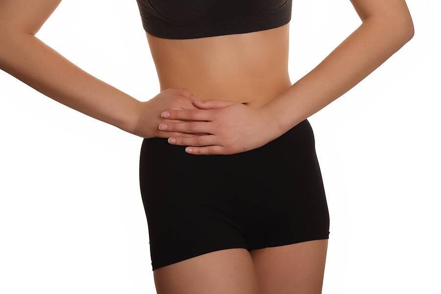 Κράμπες στην κοιλιά: 7 αιτίες εκτός από την έμμηνο ρύση