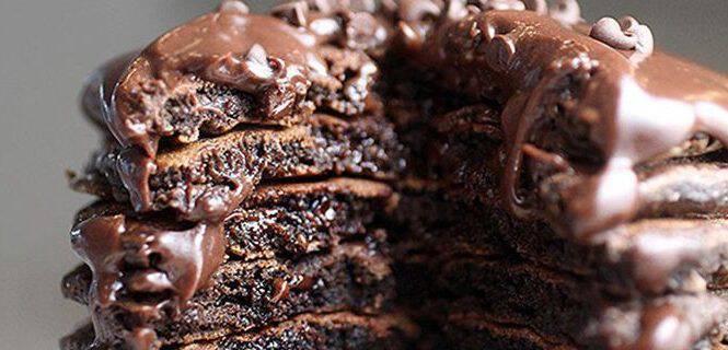 Φτιάξτε λαχταριστά pancakes σοκολάτας