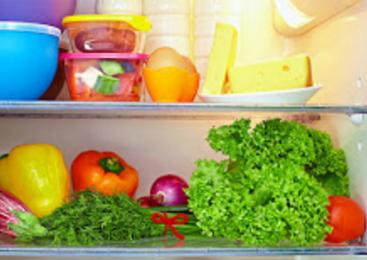 Δείτε ποια τρόφιμα φυλάσσονται μέσα και έξω από το ψυγείο