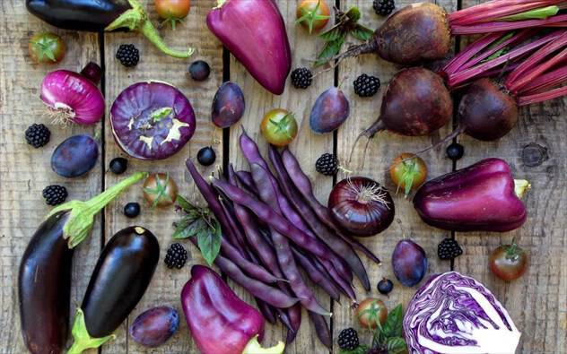 Τα οφέλη για τον οργανισμό μας από τις μοβ τροφές