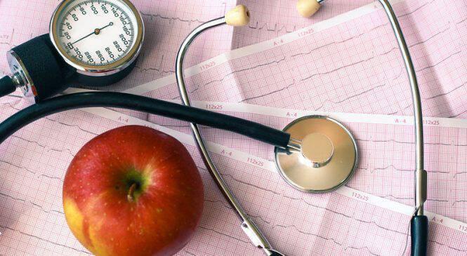 Καρδιαγγειακή υγεία: Ο ρόλος του αλκοόλ και του αριθμού των γευμάτων