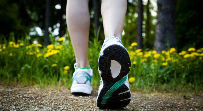 Το ζωηρό περπάτημα παρατείνει τη ζωή των γυναικών