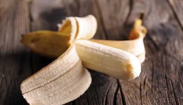 Σας δίνουμε 6 λόγους να μην πετάτε τη φλούδα της μπανάνας