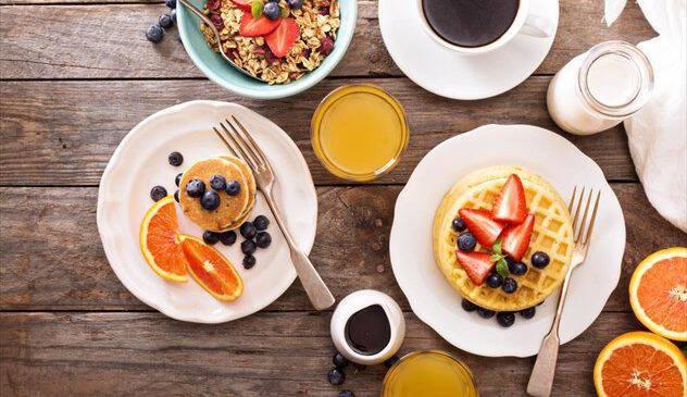 5 τροφές  από την ειδικό που δεν πρέπει να λείπουν από το πρωινό σας