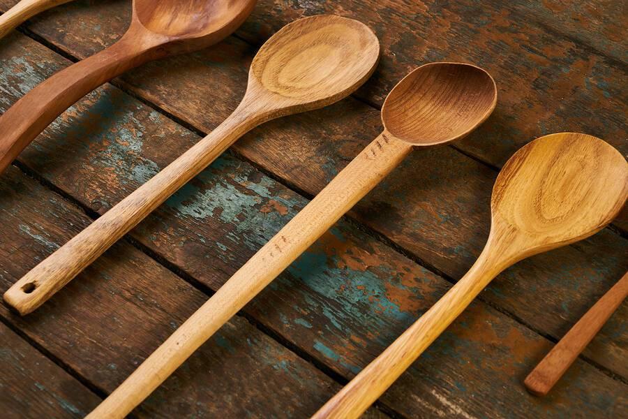 Κάθε πότε πρέπει να αλλάζετε τα τάπερ και τα ξύλινα σκεύη της κουζίνας