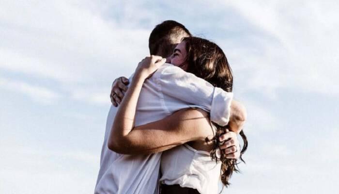 Μην υποτιμάς την αγκαλιά